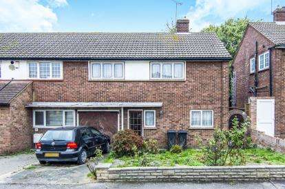 3 Bedrooms Semi Detached House for sale in Abridge, Romford, Essex