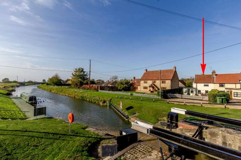 2 Bedrooms Semi Detached House for sale in The Lane, Salters Lode