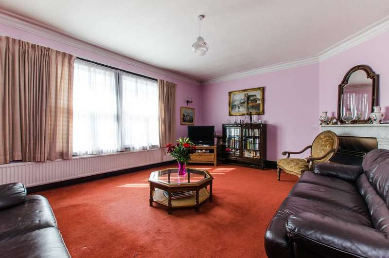 4 Bedrooms Maisonette Flat for sale in Mitcham Park, Mitcham, CR4