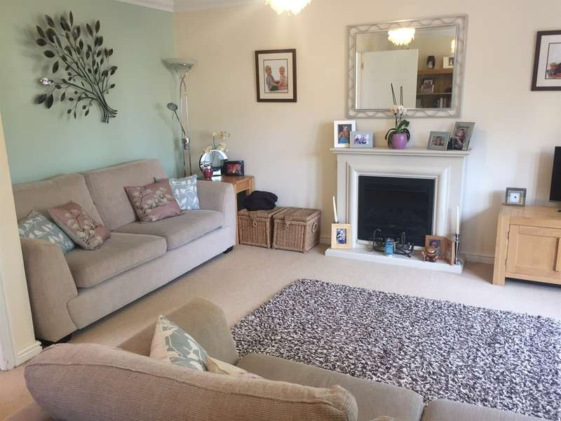 4 Bedrooms Town House for sale in Reardon Smith Court, Fairwater, Cardiff