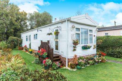 2 Bedrooms Mobile Home for sale in Willow Way, St. Ives, Cambridgeshire