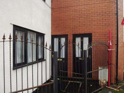 2 Bedrooms Flat for sale in Welcroft Street, Hillgate, Stockport, Cheshire