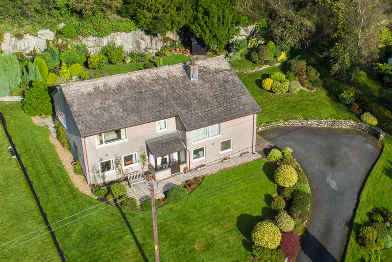 3 Bedrooms Detached House for sale in Gillon How, Crosthwaite, Kendal, Cumbria La8 8BU
