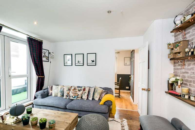 3 Bedrooms Flat for sale in South Lambeth Road, Stockwell, SW8