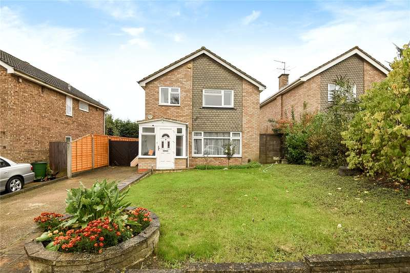 4 Bedrooms Detached House for sale in Howletts Lane, Ruislip, Middlesex, HA4