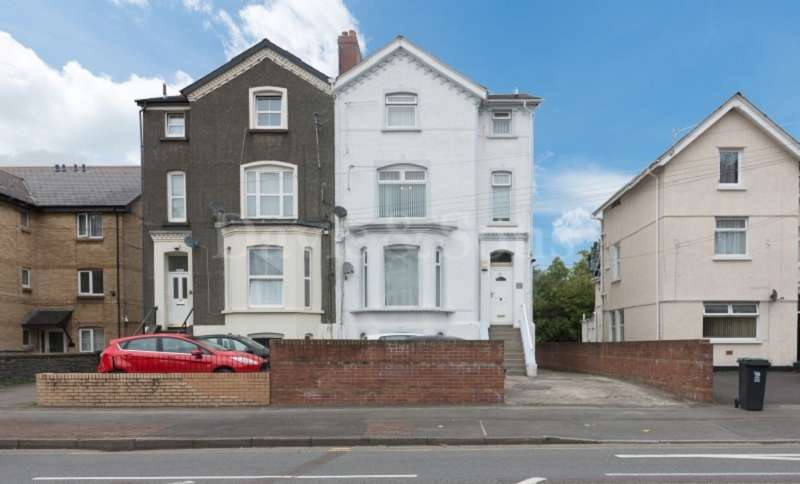 4 Bedrooms Semi Detached House for sale in Chepstow Road, Newport, Gwent. NP19 8BX