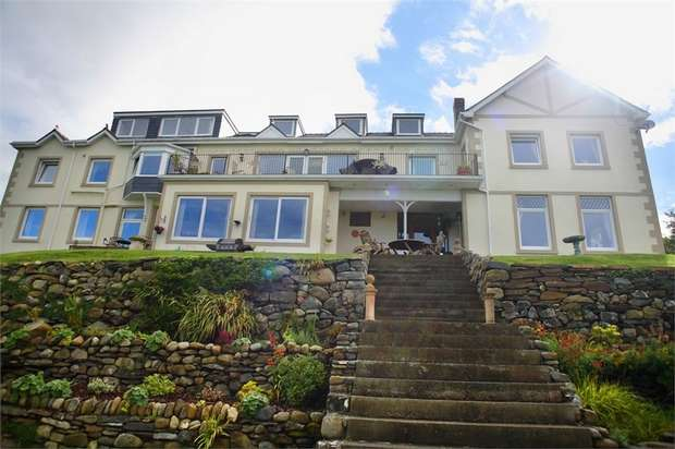 7 Bedrooms Detached House for sale in Bryn Road, Fairbourne, Gwynedd