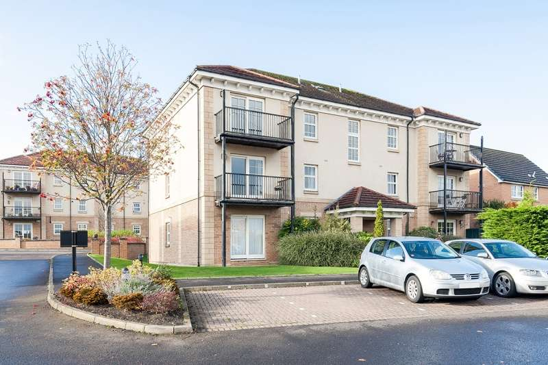 3 Bedrooms Flat for sale in Malbet Park, Liberton, Edinburgh, EH16 6SY