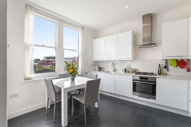 3 Bedrooms Apartment Flat for sale in Lymington Road, London, NW6 1HY
