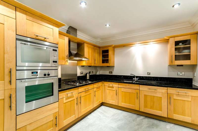 2 Bedrooms Flat for sale in Warwick Road, Kensington, W14