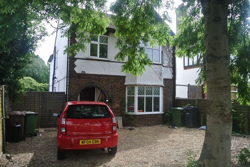 4 Bedrooms Detached House for rent in London Road, Peterborough, Cambridgeshire. PE2 9BS