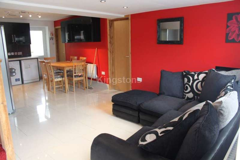 8 Bedrooms House for rent in Cathays, Cardiff, CF24 4AQ