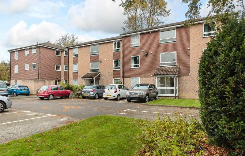 1 Bedroom Flat for sale in Addlestone