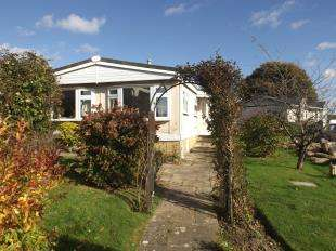 2 Bedrooms Bungalow for sale in Six Bells Park, Woodchurch, Ashford, Kent