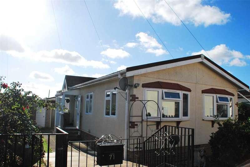 2 Bedrooms Bungalow for sale in CHERRY ROAD, Hoo Marina, HOO ST. WERBURGH