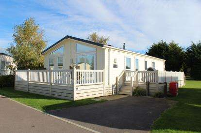 3 Bedrooms Mobile Home for sale in Breydon Waters, Butt Lane, Burgh Castle