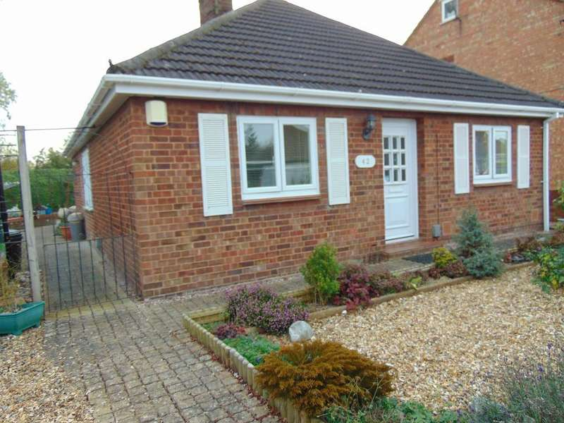 3 Bedrooms Detached Bungalow for sale in Orchard Drive, Wisbech, Cambridgeshire, PE13 2JL