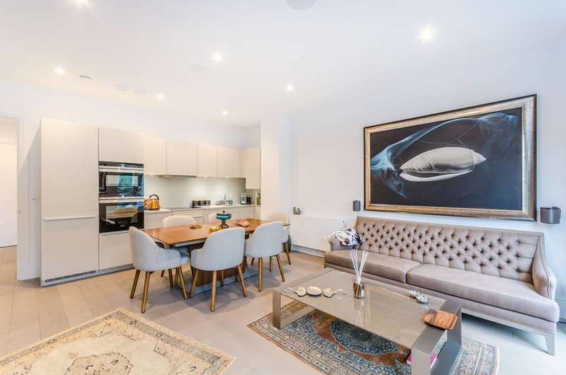 2 Bedrooms Flat for sale in Hampstead, Hampstead, NW3