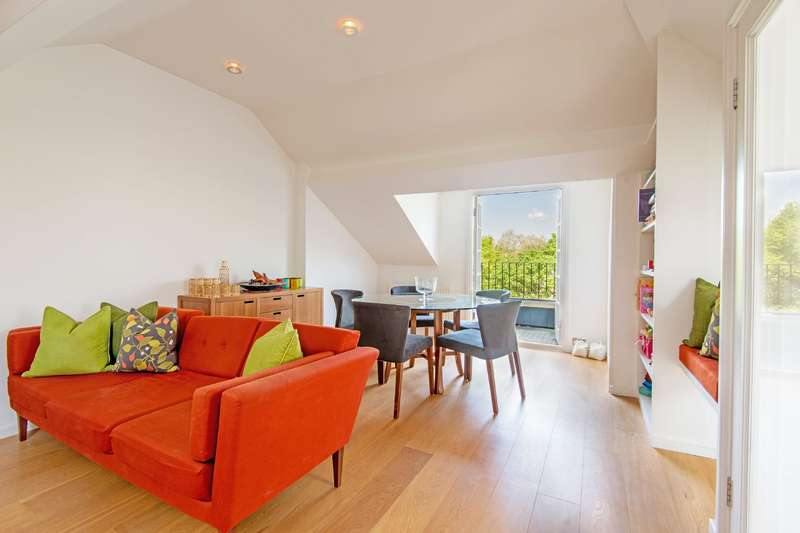 3 Bedrooms Flat for sale in Goldhurst Terrace, South Hampstead