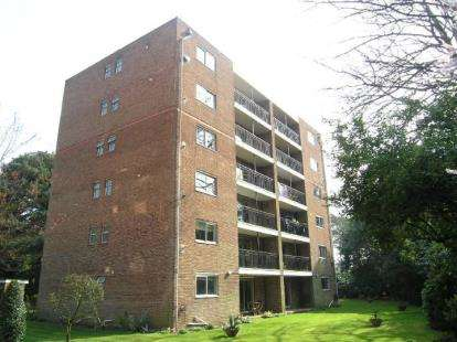 2 Bedrooms Flat for sale in 9 The Avenue, Poole, Dorset