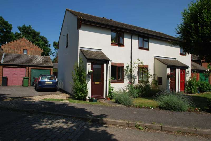 2 Bedrooms Terraced House for rent in Ash Close, Watlington