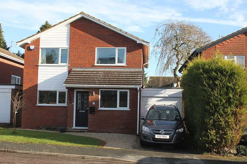 4 Bedrooms Detached House for sale in Wannions Close, Ley Hill, Buckinghamshire, HP5 1YA