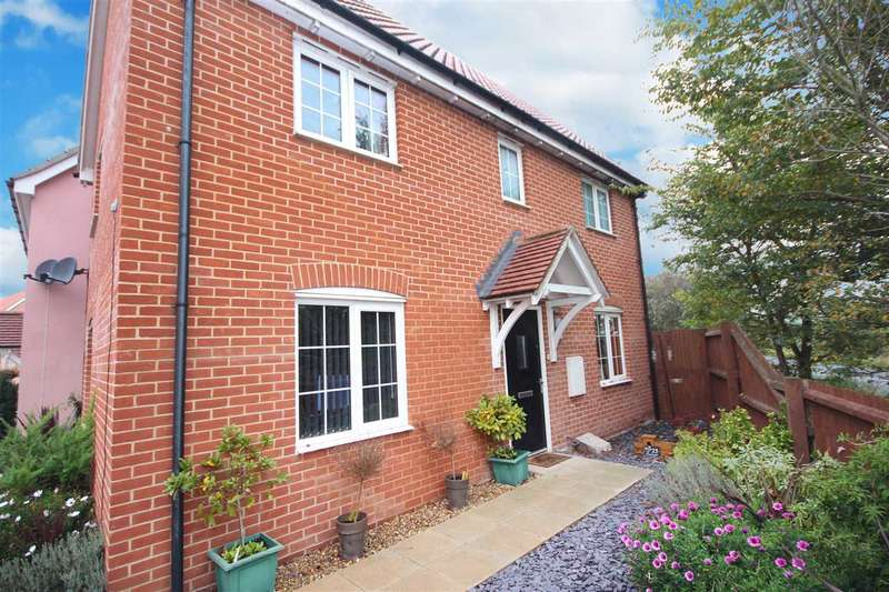 3 Bedrooms Detached House for sale in Cleave Close, Clacton-On-Sea