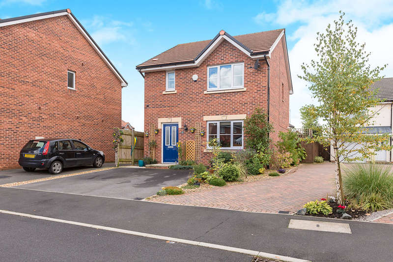 3 Bedrooms Detached House for sale in Plantation Close, Buckshaw Village, Chorley, PR7