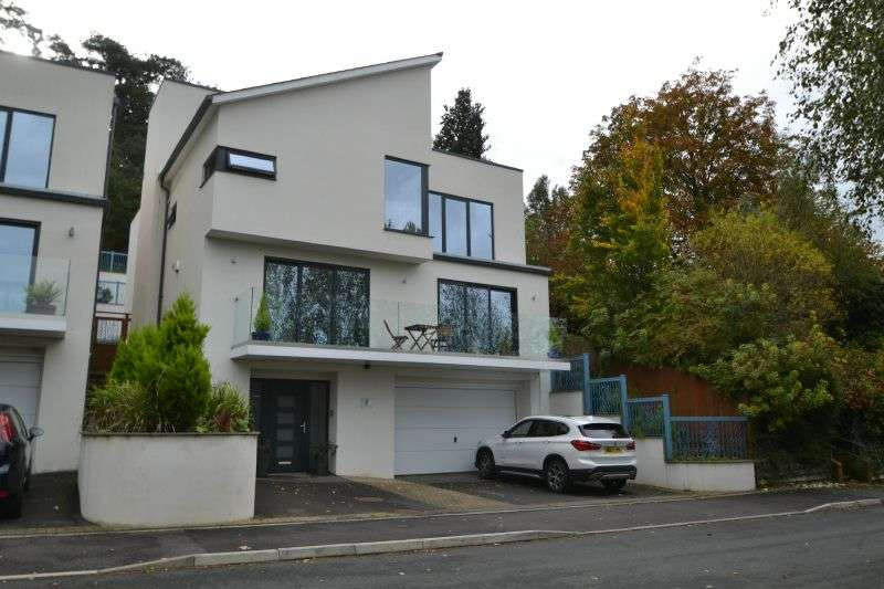 4 Bedrooms Detached House for sale in HIGHCROFT, EXETER, DEVON
