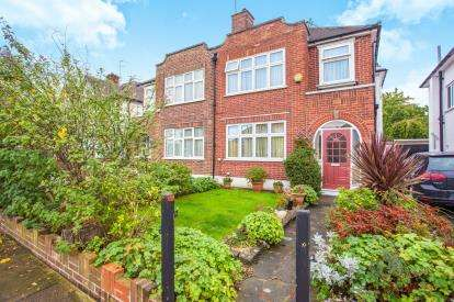 3 Bedrooms Semi Detached House for sale in Preston Hill, Harrow, London, Uk