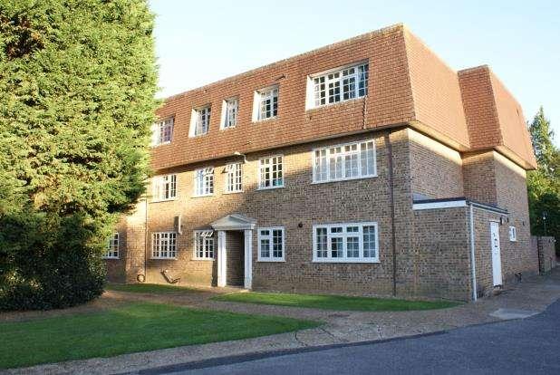 1 Bedroom Flat for sale in Mount Hermon Road, Woking, Surrey