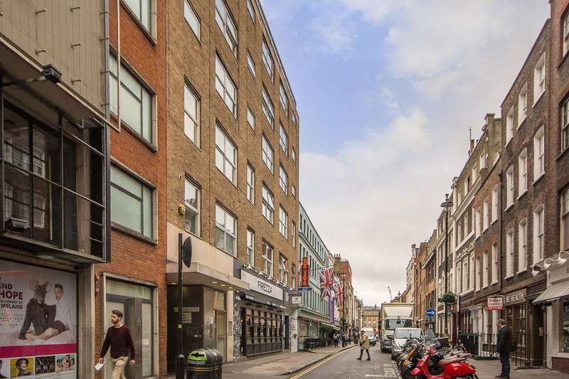 3 Bedrooms Flat for rent in Dean Street, Soho, W1D