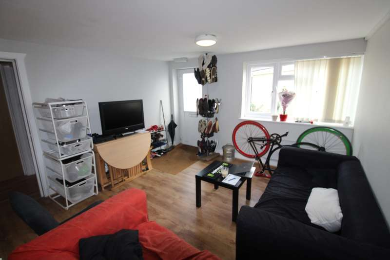 6 Bedrooms Flat for rent in Rhymney Terrace, Cathays, Cardiff