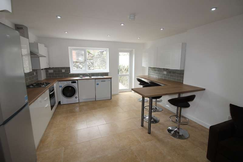 6 Bedrooms House for rent in Crwys Place, Cathays, Cardiff