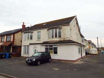 2 Bedrooms Flat for sale in Beach Road, Thornton-Cleveleys, Lancashire, FY5