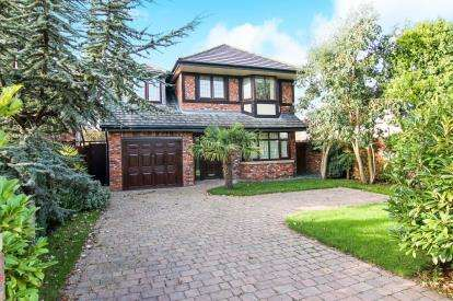 4 Bedrooms Detached House for sale in Liverpool Road, Formby, Liverpool, Merseyside, L37