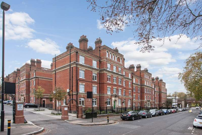 1 Bedroom Flat for sale in Peabody Estate, Rosendale Road, SE24