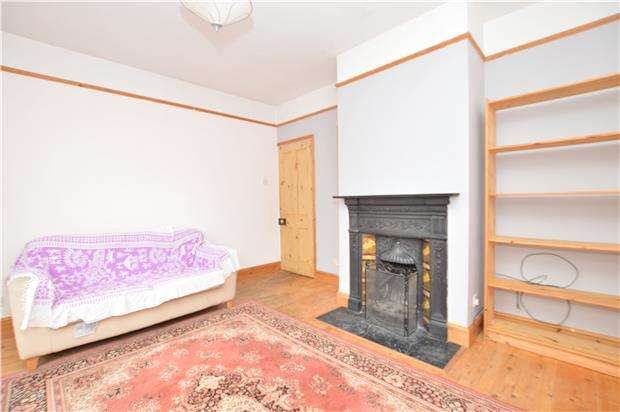 2 Bedrooms Semi Detached House for sale in Redstone Road, REDHILL, RH1 6EA