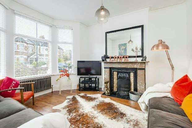 3 Bedrooms Unique Property for sale in Oaklands Road, Hanwell, W7