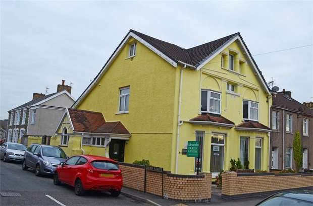 10 Bedrooms End Of Terrace House for sale in Coity Road, Bridgend, Mid Glamorgan