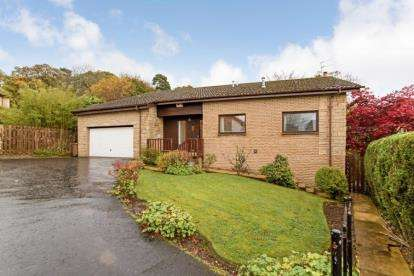 4 Bedrooms Detached House for sale in The Ness, Dollar
