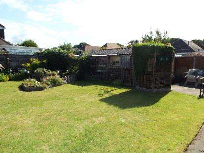 2 Bedrooms Bungalow for sale in Christchurch, Dorset