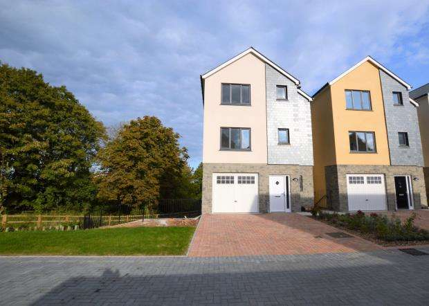4 Bedrooms Detached House for sale in Tidal Reach, St Marys Hill, Brixham, Devon