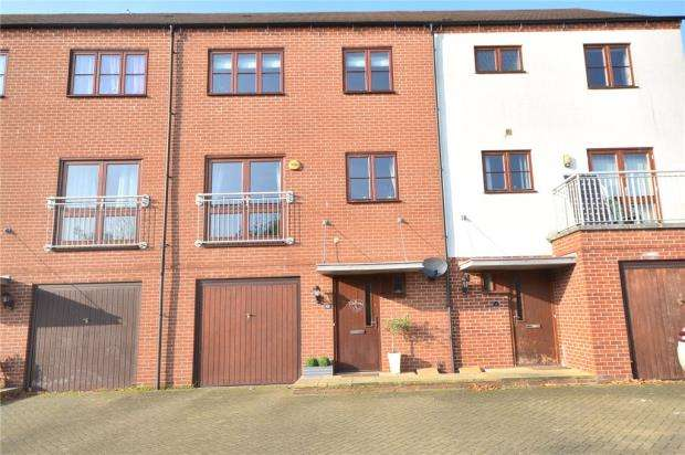 3 Bedrooms House for sale in Crondall Terrace, Basingstoke, Hampshire