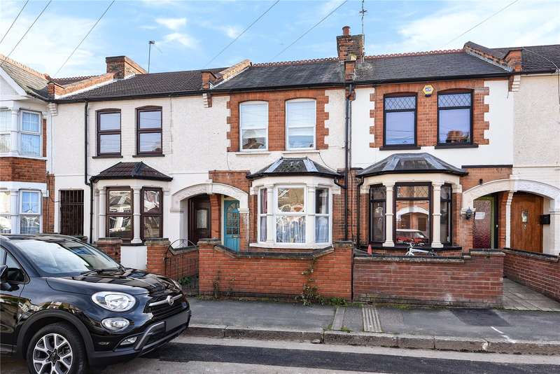 3 Bedrooms Terraced House for sale in Belgrave Avenue, Watford, Hertfordshire, WD18