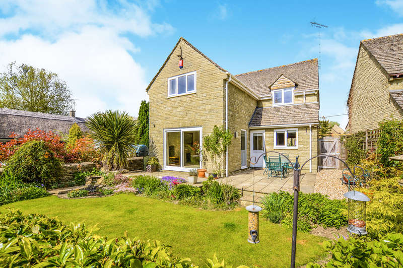 4 Bedrooms Detached House for sale in High Street, Kempsford