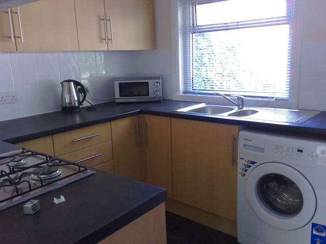 4 Bedrooms House for rent in Blackboy Road, Exeter,