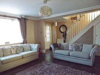 3 Bedrooms House for sale in Ramsdale Avenue, Havant, Hampshire,PO9 4DZ