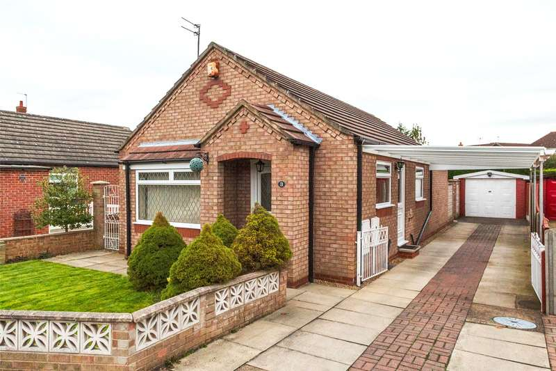 2 Bedrooms Detached Bungalow for sale in Templar Way, Selby, YO8
