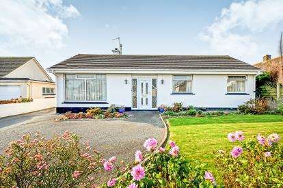 3 Bedrooms Bungalow for sale in Newquay, Cornwall, England